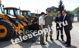 JCB 3CX в помощь Сербии и Боснии